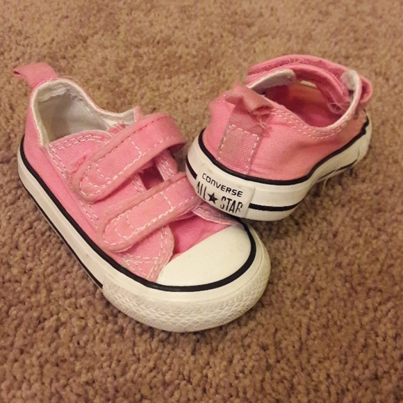 3018731f9c61c9 Converse Other - Converse Velcro Sneakers